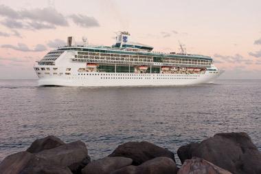 Dubai_Cruises